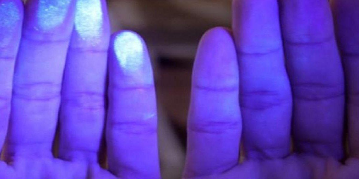 الأشعة فوق البنفسجية أضرارها وفوائدها